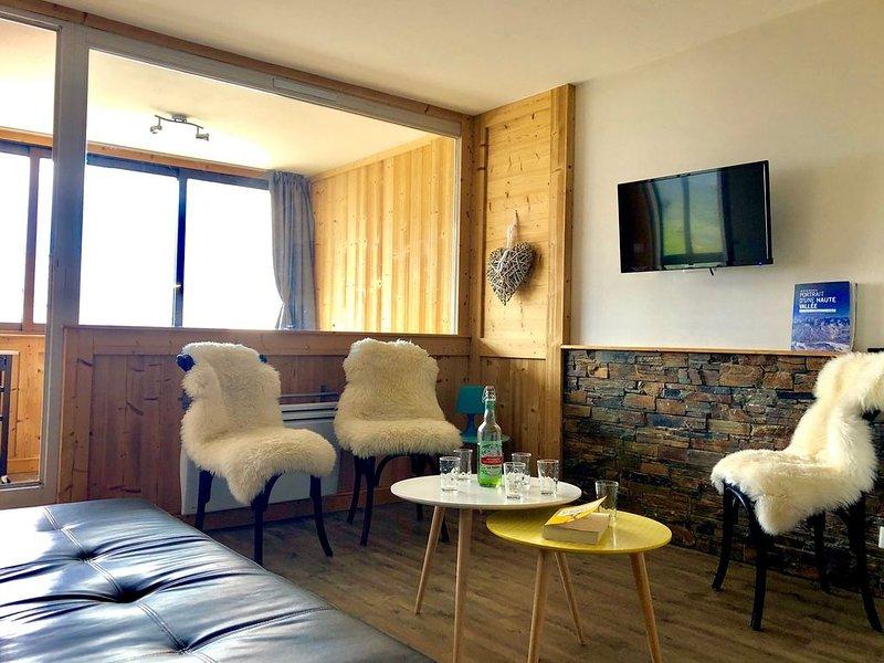 GRAND APPARTEMENT 43 m2 -6 PERS 4 étoiles OR, aluguéis de temporada em Val Thorens