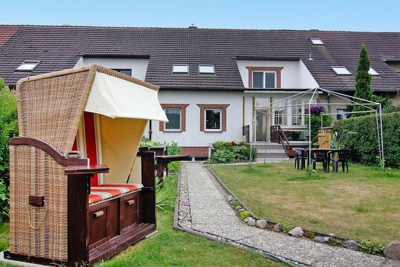 Ferienwohnung Gänseblümchen, Ribnitz-Damgarten, vacation rental in Semlow