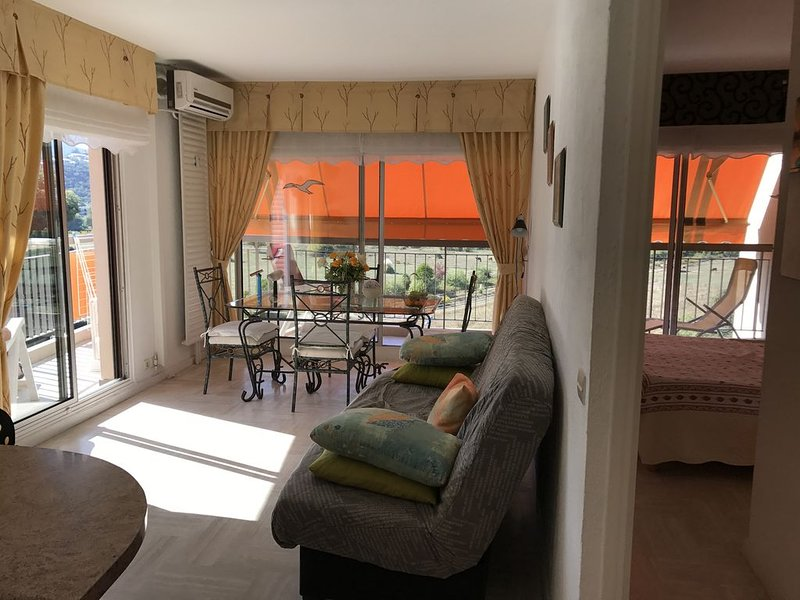 appartement 38 m2  4 personnes, holiday rental in La Napoule