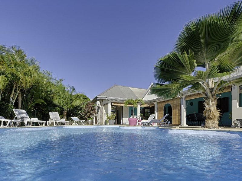 Le Latanier Bleu, villa de charme, alquiler vacacional en Ravine des Cabris