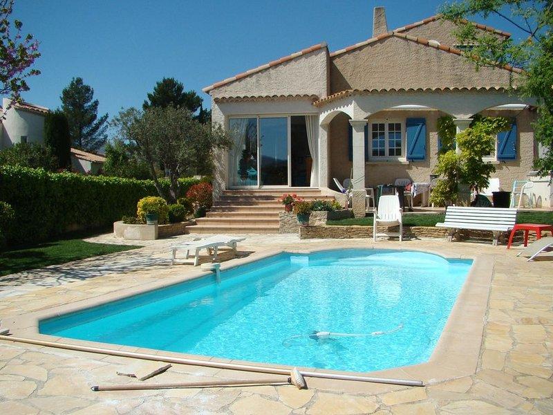 Villa 100 m2  - Jardin arboré - Piscine de dimensions 7.50 m X  3.50, vacation rental in Cuges-les-Pins