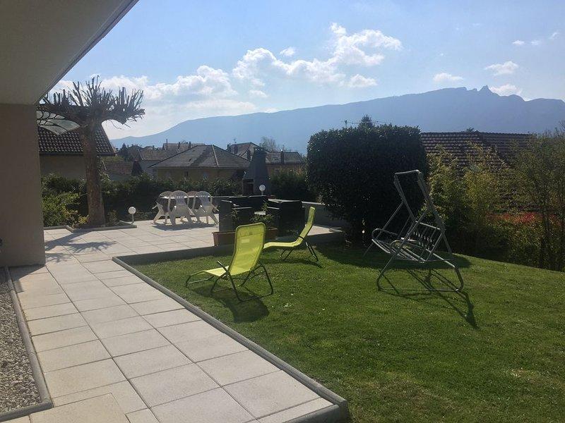 Superbe T3 neuf meublé proche thermes parking au calme idéal curistes, casa vacanza a Montcel