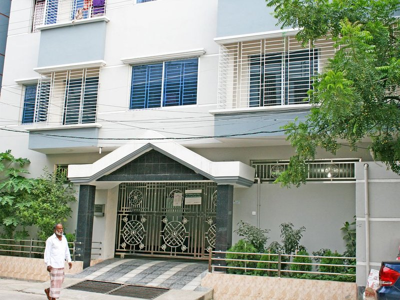 Newly built Finished  3 Appartments 6A, vacation rental in Uttara