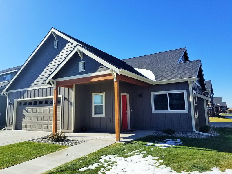 New And Beautiful Single Family Home ~ Centrally Located In Bozeman!, holiday rental in Four Corners