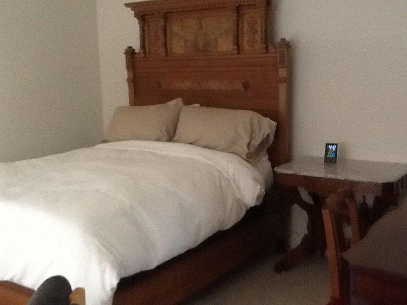 San Jose Rosegarden Cottage - Business Ready, location de vacances à Campbell