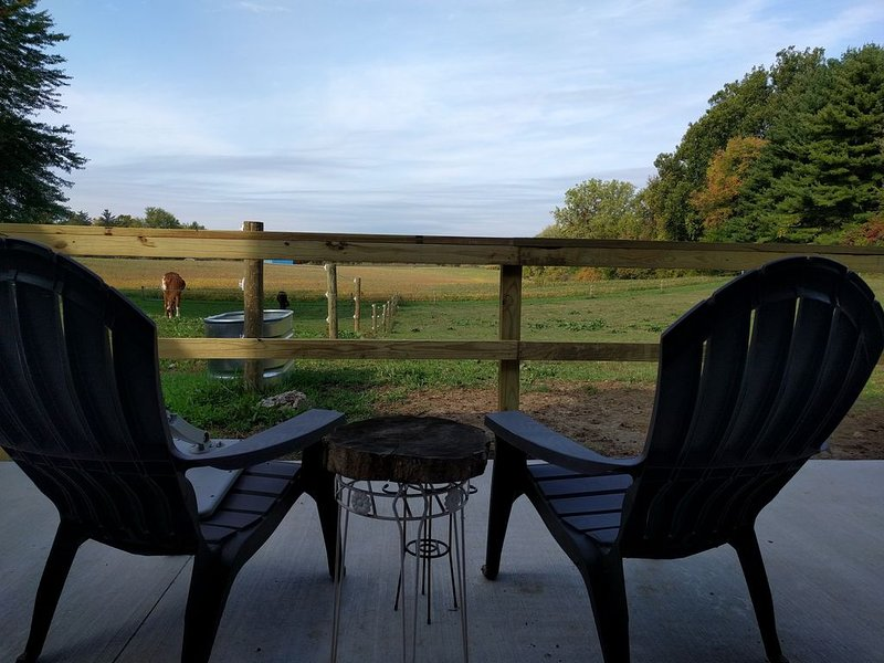 Farmstay at Woofs and Hoofs Ranch, location de vacances à Eau Claire