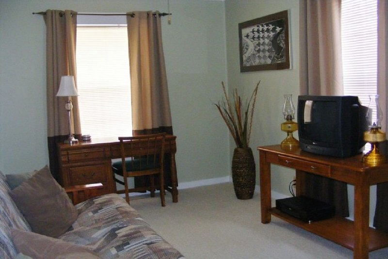 Cottage in Mount Ida, Arkansas.  Three blocks from town square., holiday rental in Pencil Bluff