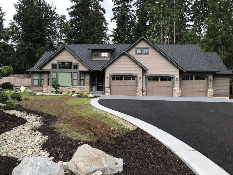 Casa Bambino - New Custom Home in beautiful Woodinville wine country, location de vacances à Woodinville