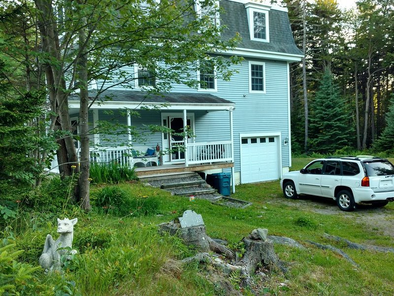 Island Escape - Spacious 4 BR House with Car included!, holiday rental in Long Island