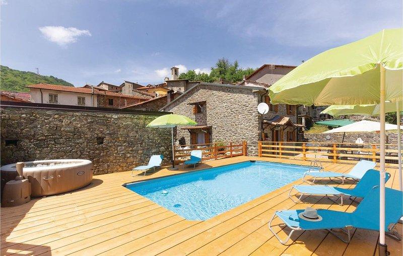 5 Zimmer Unterkunft in Sassalbo -MS-, vacation rental in Monchio delle Corti