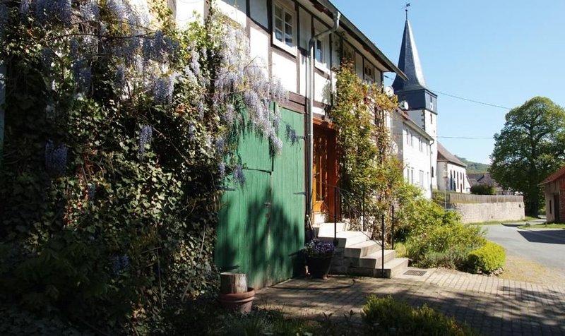 Ferienhaus Liebenau für 4 Personen mit 2 Schlafzimmern - Bauernhaus, vacation rental in Espenau