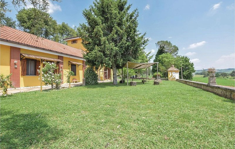 5 Zimmer Unterkunft in Alvignano CE, holiday rental in Province of Caserta