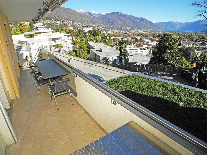 Hübsche, praktische 3,5-Zimmer Wohnung mit Seesicht für 4 Personen in Ascona, am, casa vacanza a Lago Maggiore
