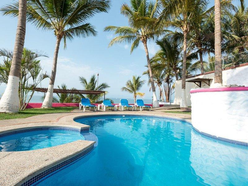 Beautifull place to rest , Beach Front Villa, location de vacances à Bucerias