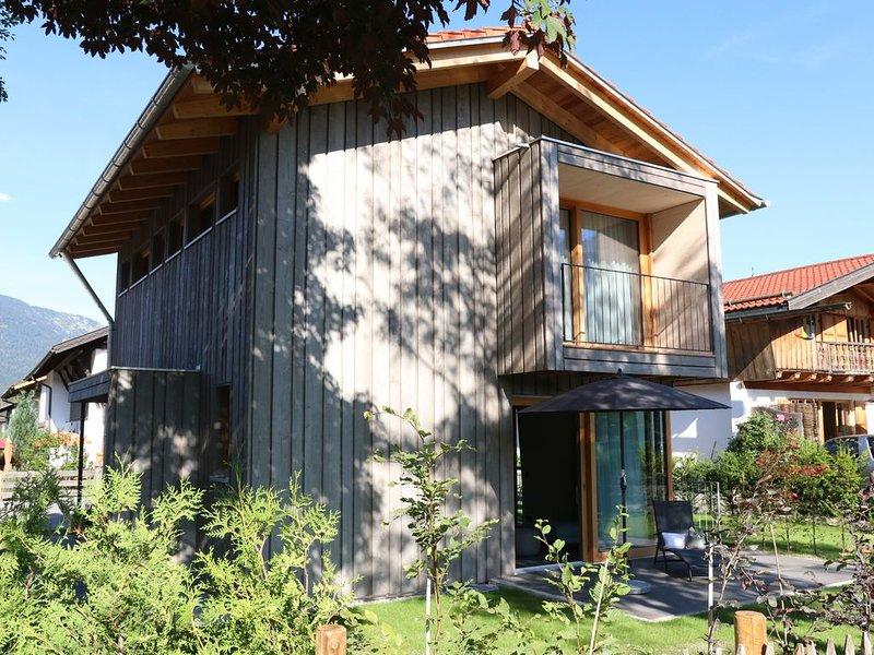 Neu!!! Traumferienhaus für 2-6 Personen. - Haus 1, holiday rental in Garmisch-Partenkirchen
