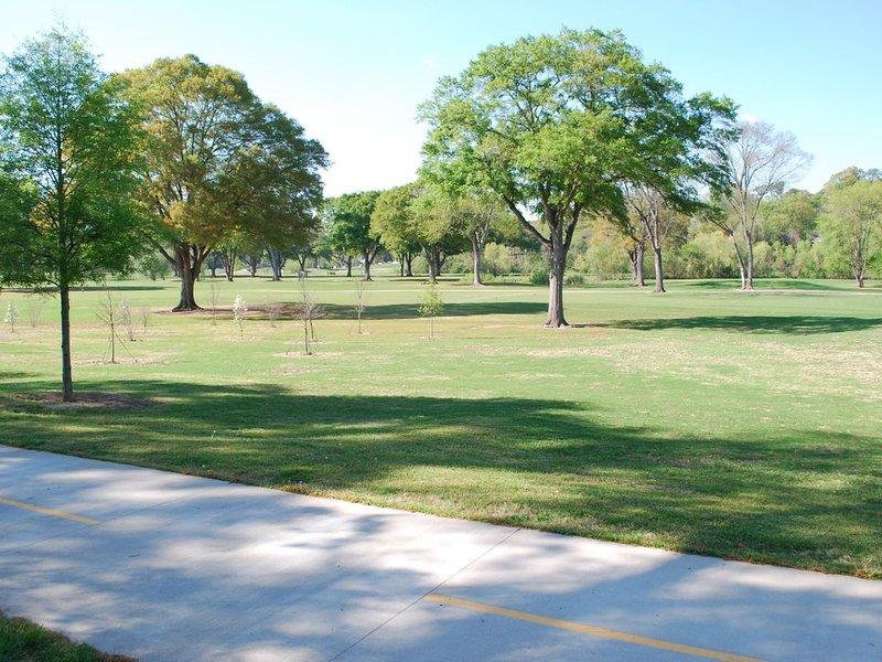 Nearby Bobby Jones Golf Course