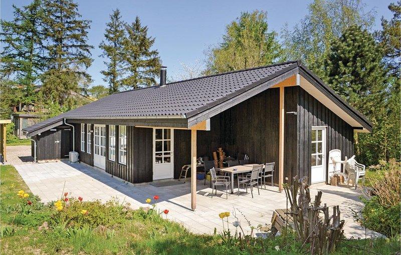 3 Zimmer Unterkunft in Egå, holiday rental in Foelle Strand