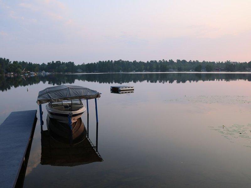 Lake Louise cottage near Loretto Michigan, alquiler vacacional en Foster City