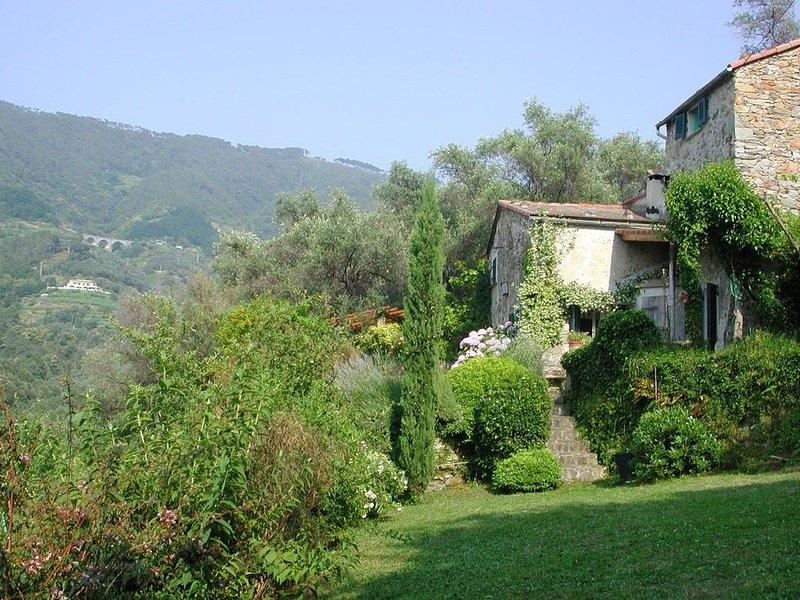 Romantisches Steinhaus im Naturschutzgebiet der Cinque Terre (3 km vom Meer), vakantiewoning in Legnaro