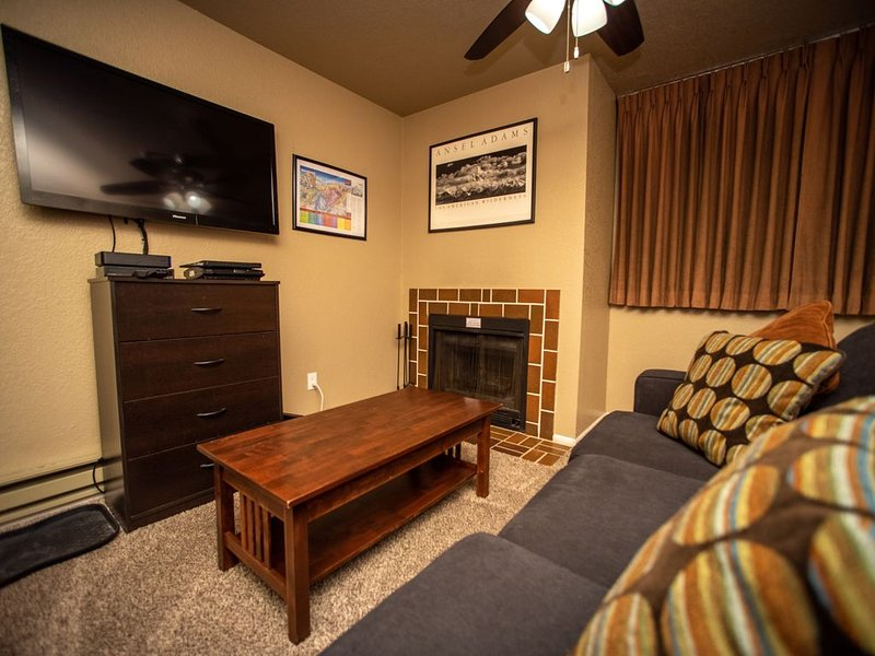 Modernly Updated & Centrally Located to Everything for a LOW PRICE!!!!, holiday rental in Park City