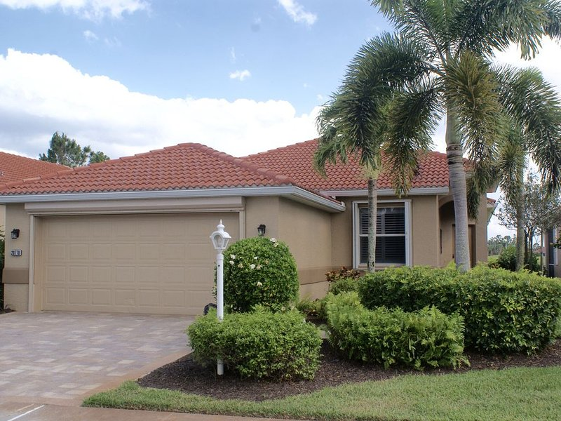 Home is  situated in a beautiful established community, alquiler vacacional en North Fort Myers