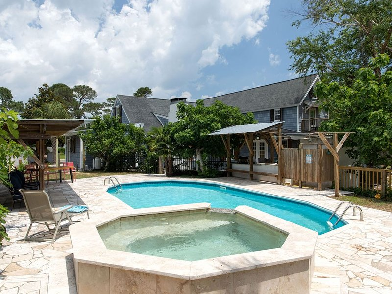 WOW! Pool+Pizza Oven near Beaches, Downtown & UNCW, vacation rental in Wilmington