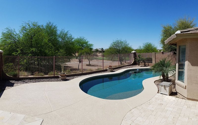 **NEWLY LISTED** Perfect Golf Course Getaway with Pool, holiday rental in Chandler Heights