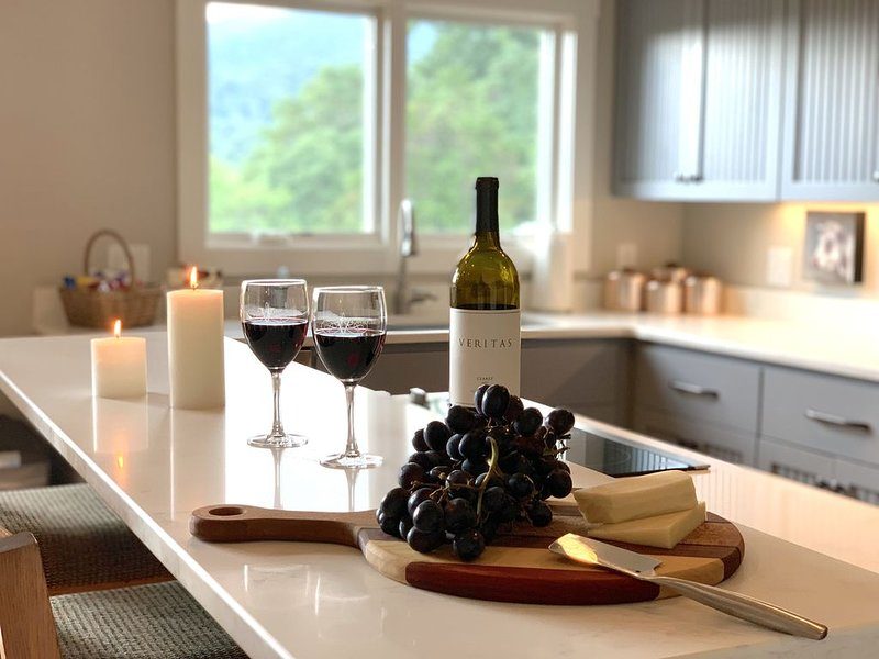 Rockfish Farmhouse - Beautiful Home In The Rockfish Valley, holiday rental in Nellysford