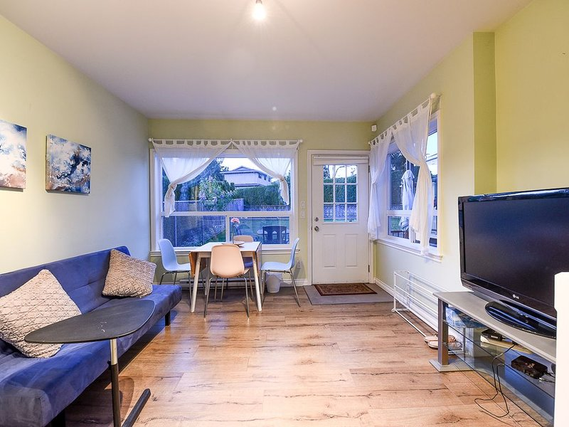 Cozy home at convenient location, vacation rental in Burnaby