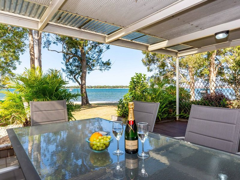 TREAT YOURSELF to Something Special!, vacation rental in Moreton Bay Region