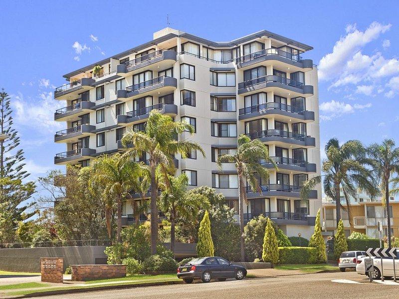 Sundial 602, 8-10 Hollingworth Street,, holiday rental in Port Macquarie