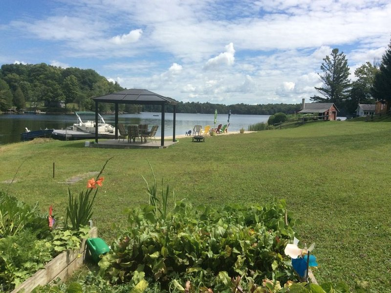 Lakebreeze - Family Friendly Vacation Home – semesterbostad i Westport