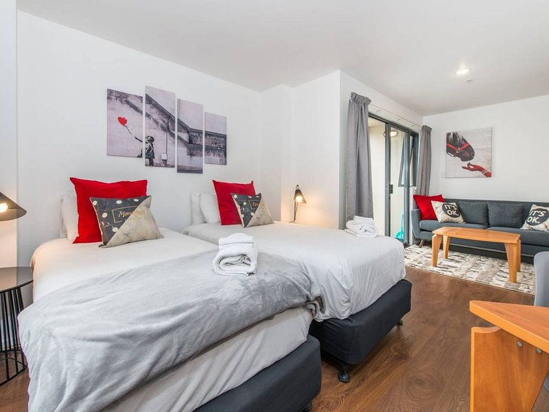 【JHT】Studio, Carpark, Skytower view, University, vacation rental in Remuera