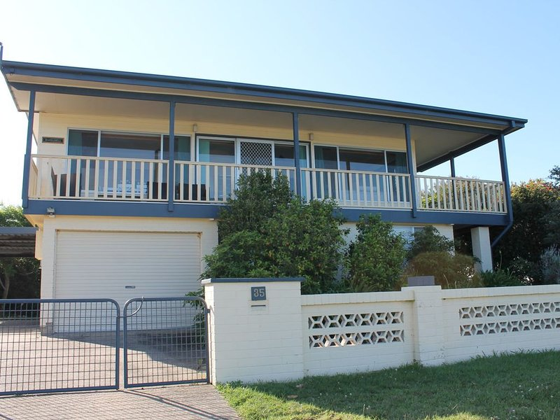 35 Iluka Avenue, Malua Bay, holiday rental in Malua Bay