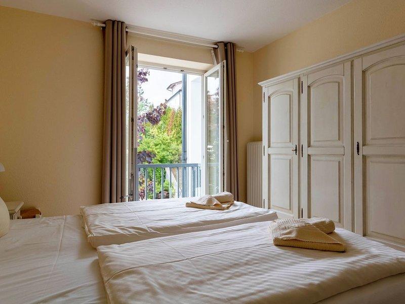 2-Raum Ferienwohnung/Balkon, nur 50 m von der Strandpromenade und dem Strand, holiday rental in Ostseebad Binz