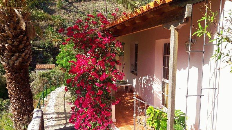 Komfortables Ferienhaus in ruhiger Lage, holiday rental in Alajero