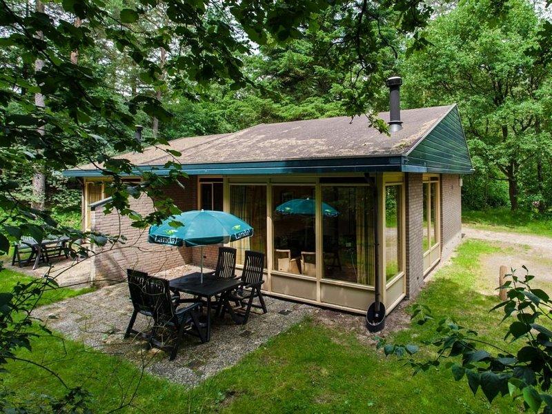 4-Personen-Ferienhaus im Ferienpark Landal Coldenhove - In waldreicher Umgebung, holiday rental in Klarenbeek