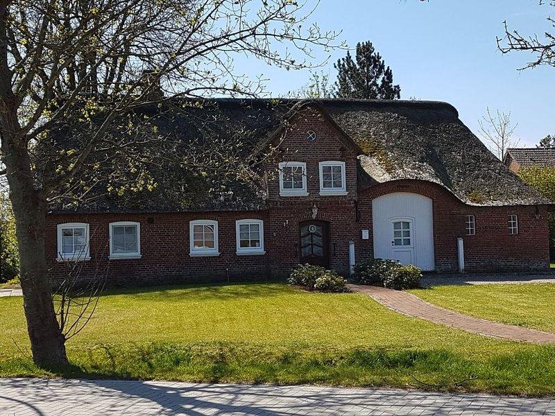 Unser 'Reetdachhaus Margaux' heißt Sie herzlich willkommen!, vakantiewoning in Breklum
