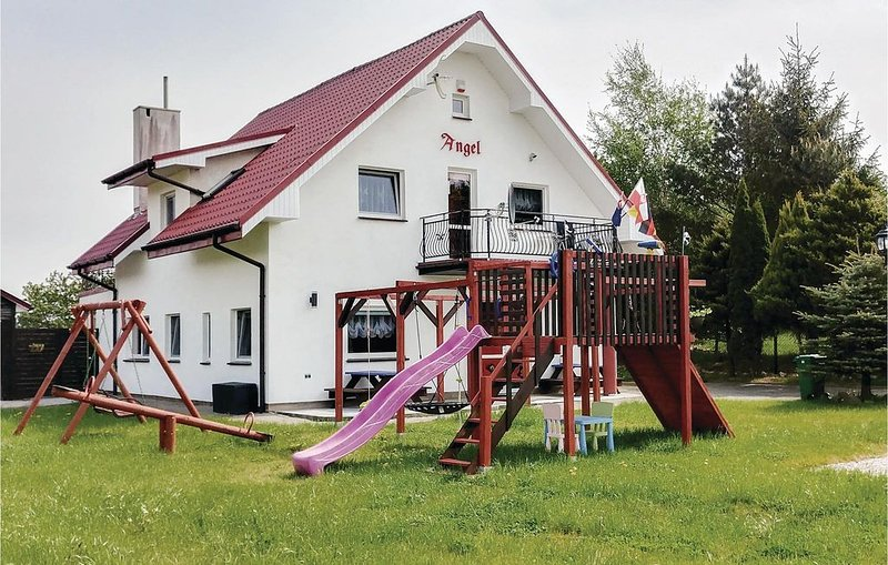 7 Zimmer Unterkunft in Rusinowo, vacation rental in Lacko
