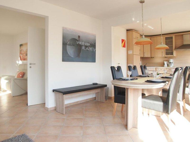 Tolles, familienfreundliches Ferienhaus für 6 Personen mit großem Garten in ruhi, holiday rental in Klingberg