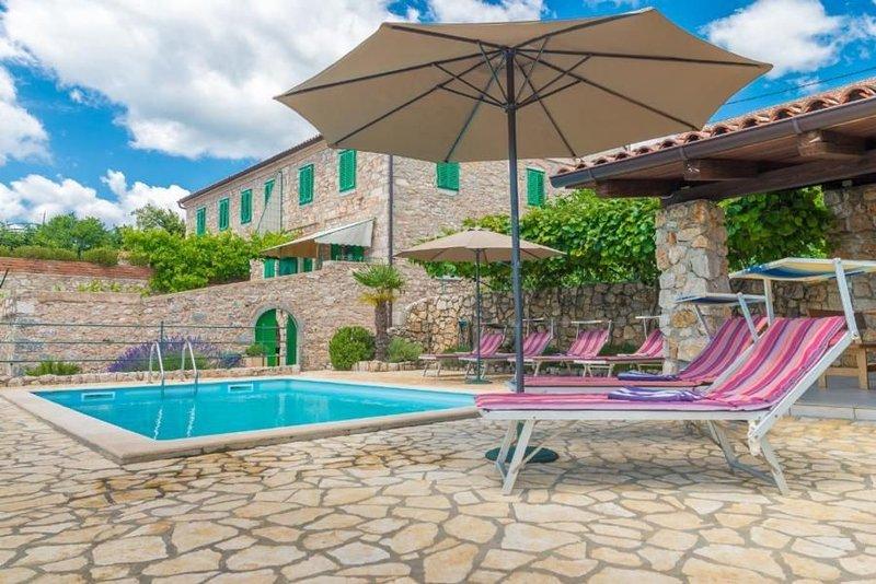 Ferienhaus Crikvenica für 4 - 6 Personen mit 3 Schlafzimmern - Ferienhaus, holiday rental in Crikvenica