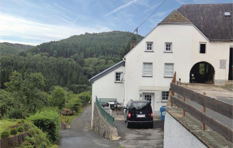 3 Zimmer Unterkunft in Dasburg, casa vacanza a Koerperich