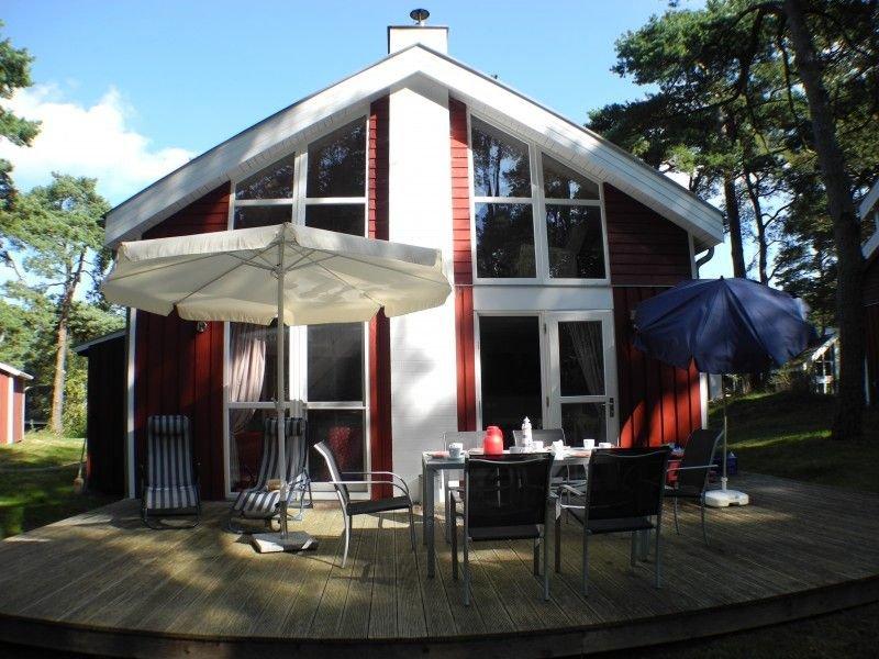 70 m bis zum Strand, Sauna, Whirlpool, Kamin, holiday rental in Ostseebad Baabe