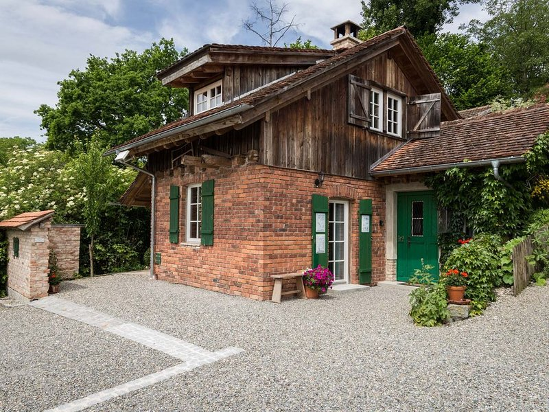 RUSTICO - gemütliches, uriges Ferienhaus im Grünen, holiday rental in Überlingen