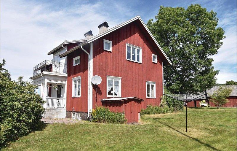 4 Zimmer Unterkunft in Åmål, location de vacances à Edsleskog