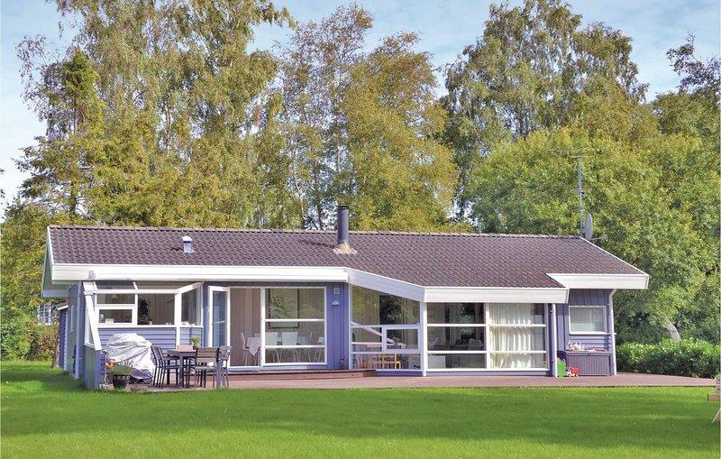 4 Zimmer Unterkunft in Dronningmølle – semesterbostad i Hornbaek