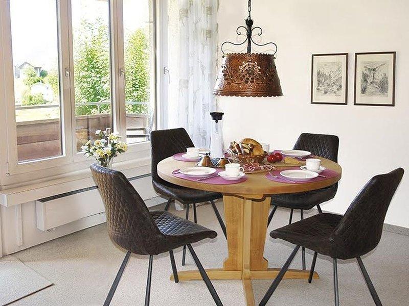 Apartment Piz Mundaun, 83qm, 2 Schlafzimmer, max. 4 Personen, casa vacanza a Vals