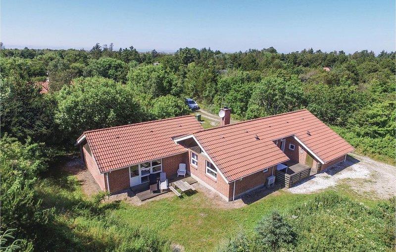 5 Zimmer Unterkunft in Ringkøbing, holiday rental in Houvig