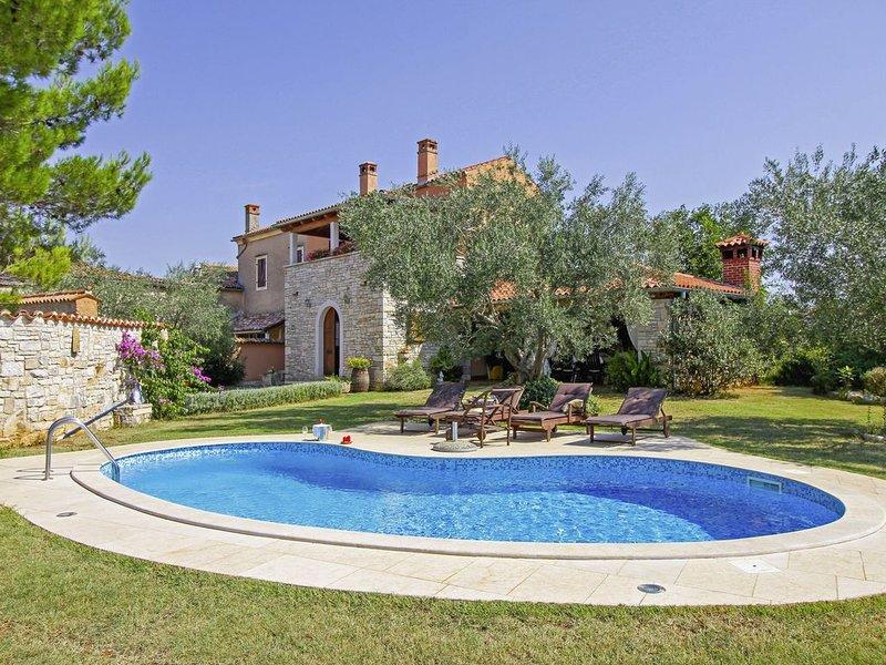Ferienhaus Šalvela * 11000 m2 Grundstück, Garten, privater Pool, WLAN, location de vacances à Vodnjan