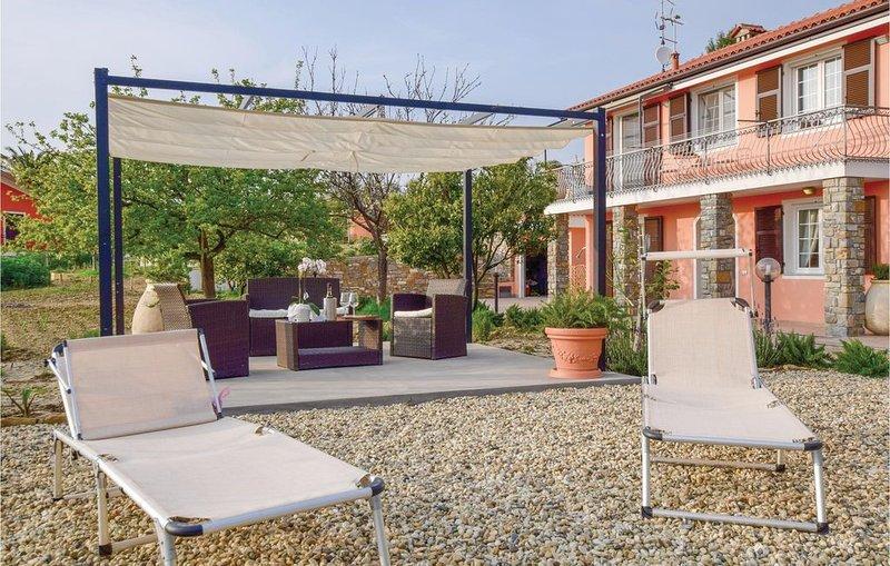 2 Zimmer Unterkunft in Imperia  (IM), holiday rental in Poggi